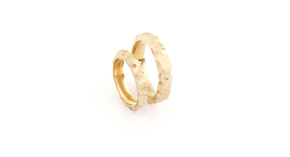 Unique Hand-Carved Gold Wedding Rings 'Despite the Times'