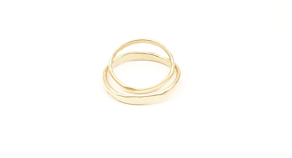 Irregular wedding rings in eco friendly 9K gold